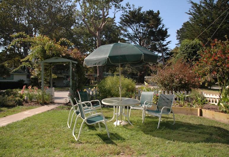 Carmel River Inn, Carmel, Kültéri étkezés