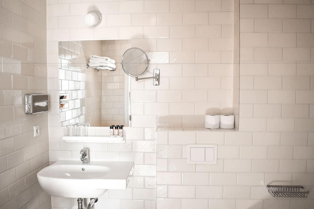 Superior Double or Twin Room - Bathroom Sink