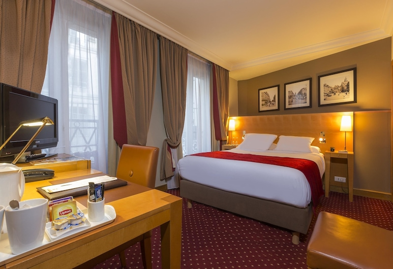 Hotel Royal Saint Michel, Paris, Standard Single Room, 1 Double Bed, Guest Room