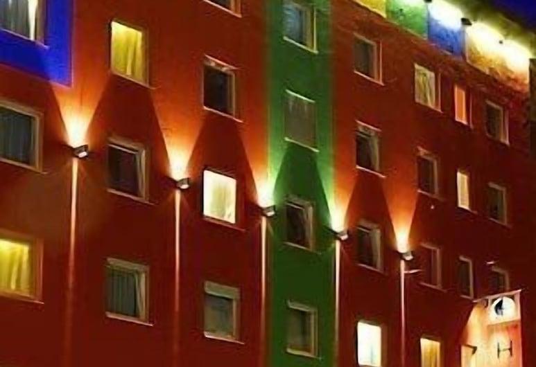 Creatif Hotel Elephant, Munich, Hotel Front