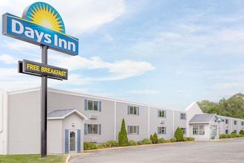 Picture of Days Inn by Wyndham Cedar Falls- University Plaza in Cedar Falls