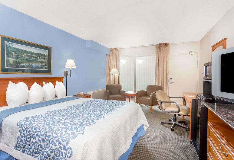 Days Inn by Wyndham Cedar Falls- University Plaza, Cedar Falls, Room, 1 Queen Bed, Guest Room