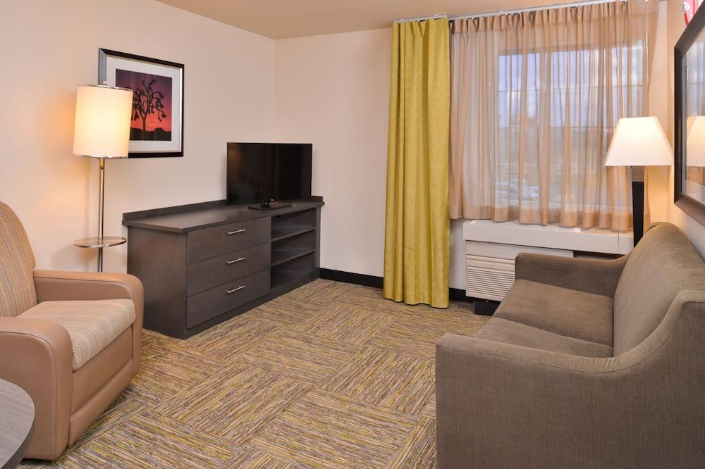 Suite, 1 Bedroom, Kitchen (1 Queen, Living, Dining) - Living Area