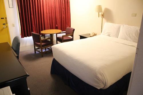 紅地毯酒店/