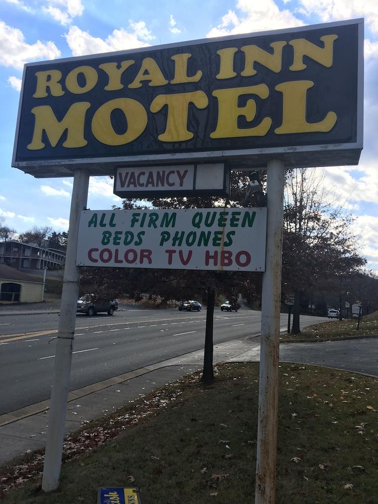 Royal Inn Motel Front