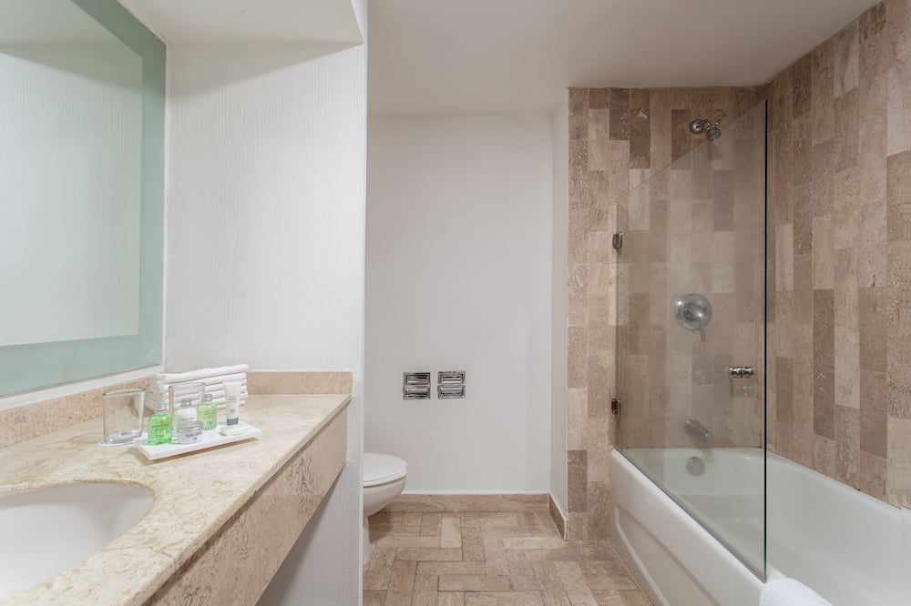 Junior Double Room Single Use, 1 Katil Kelamin (Double) atau 2 Katil Bujang (Single) - Bilik mandi