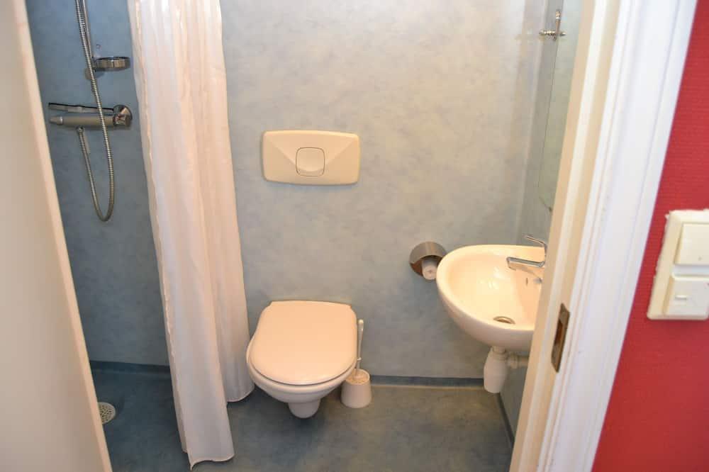 Economy-Doppelzimmer (Noise free room not guaranteed) - Badezimmer
