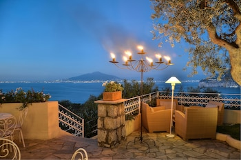 Enter your dates for our Sorrento last minute prices