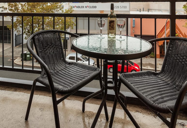 Best Western Northbridge Apartments, Northbridge, Standard Apartment, 2 Bedrooms, Non Smoking, Kitchen (1 King and 2 Single or 2 King Beds), Room