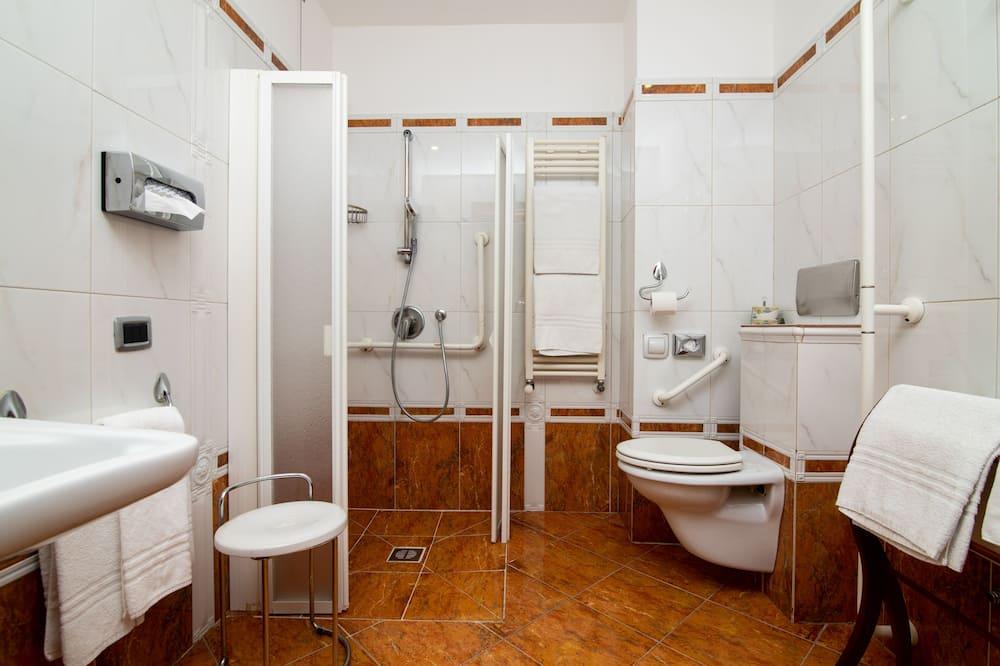 經典三人房 - 浴室