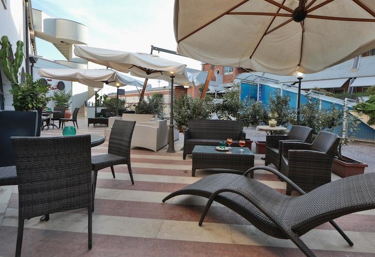 Best Western Hotel Dei Cavalieri, Barletta, Hotelbar