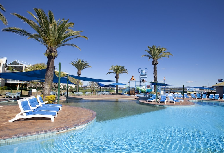 Sea World Resort, Mein Bičas, Lauko baseinas