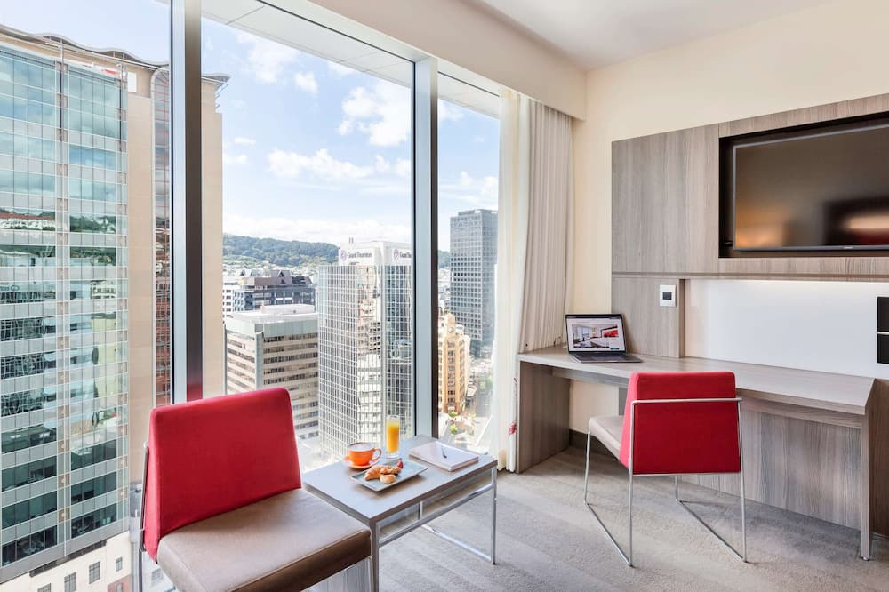 Superior Room, 1 King Bed, City View - Guest Room