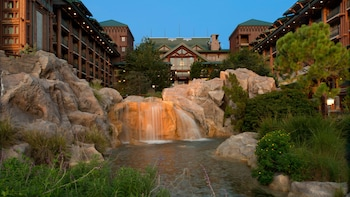 Lake Buena Vista bölgesindeki Disney's Wilderness Lodge resmi
