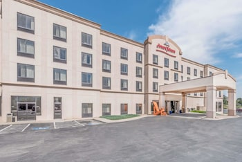 Picture of Howard Johnson Inn & Suites - Rapid City in Rapid City