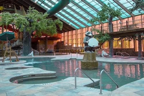 Book Westgate Smoky Mountain Resort Water Park In Gatlinburg Hotels Com