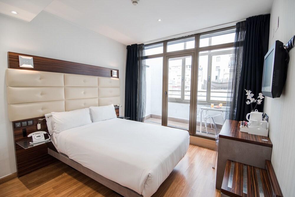 Hotel Petit Palace Cliper Gran Vía, Madrid