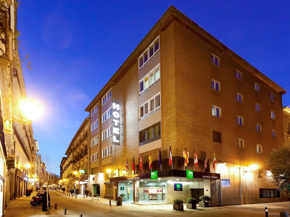 Book hotel ibis styles madrid prado in madrid for Calle prado 9 madrid