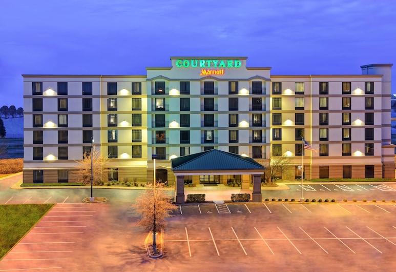 Courtyard by Marriott Louisville Airport, Louisville, Fachada del hotel de noche
