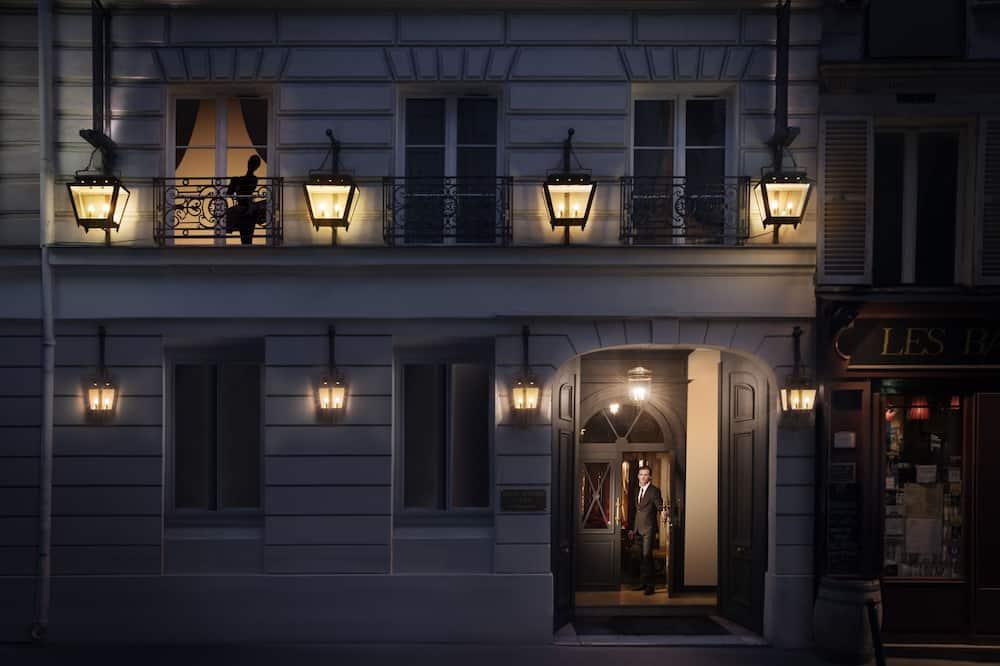 Είσοδος ξενοδοχείου