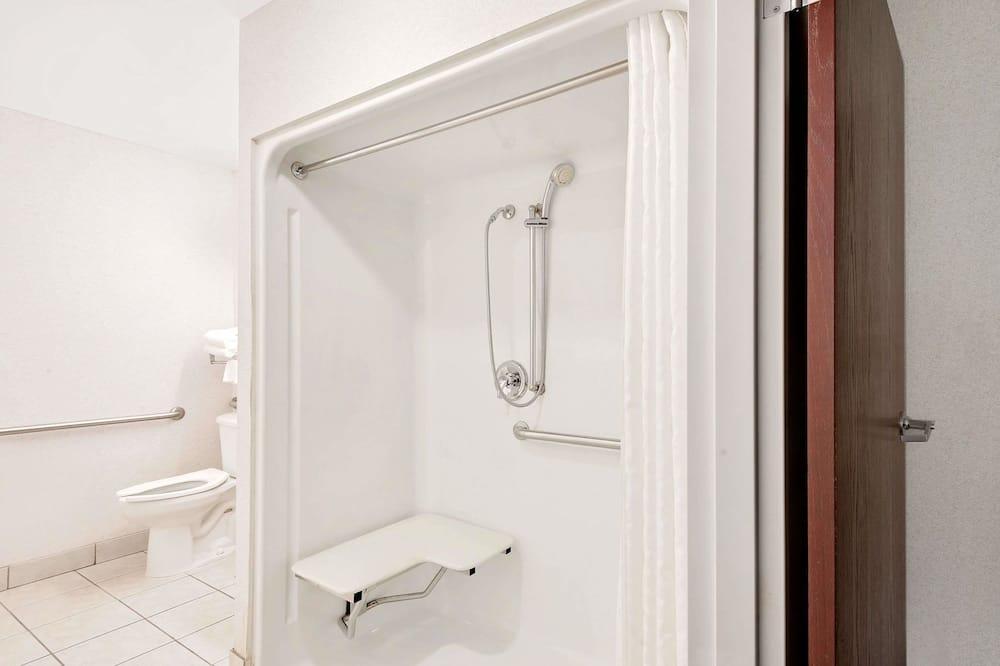 Chambre, accessible aux personnes à mobilité réduite - Salle de bain