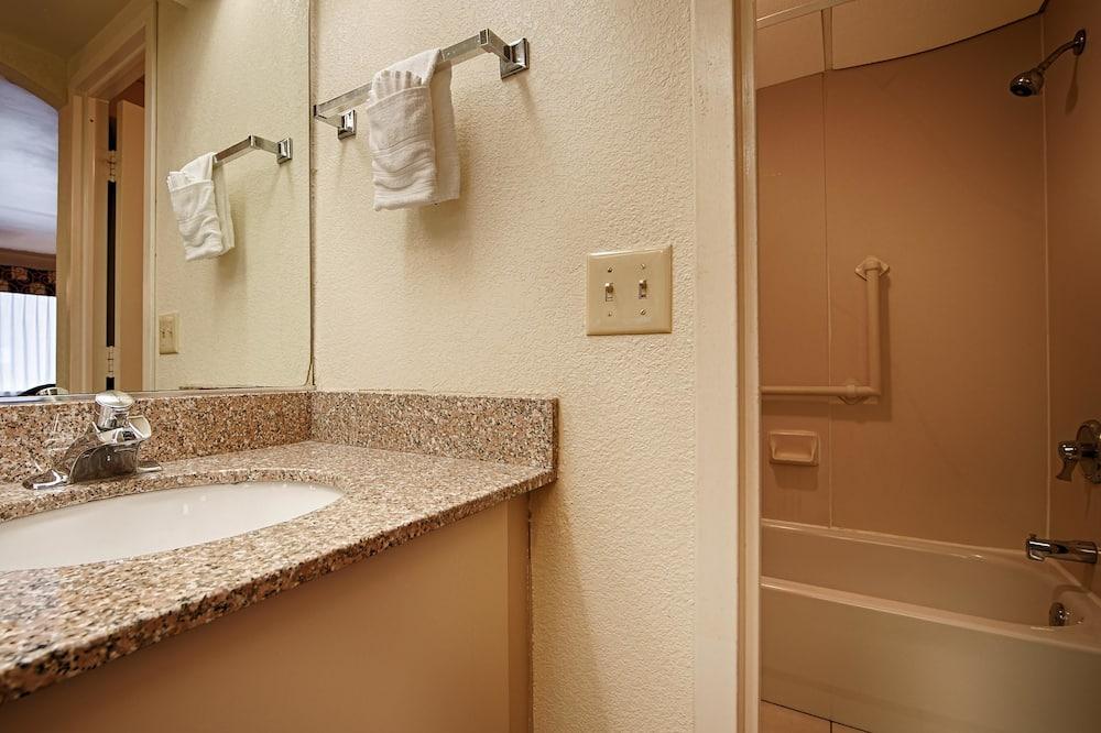 Kamar Standar, 1 Tempat Tidur King, non-smoking, microwave - Kamar mandi
