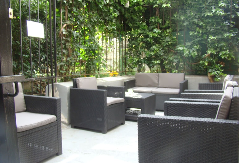 Hotel Montparnasse Alesia, Paris, Terrace/Patio