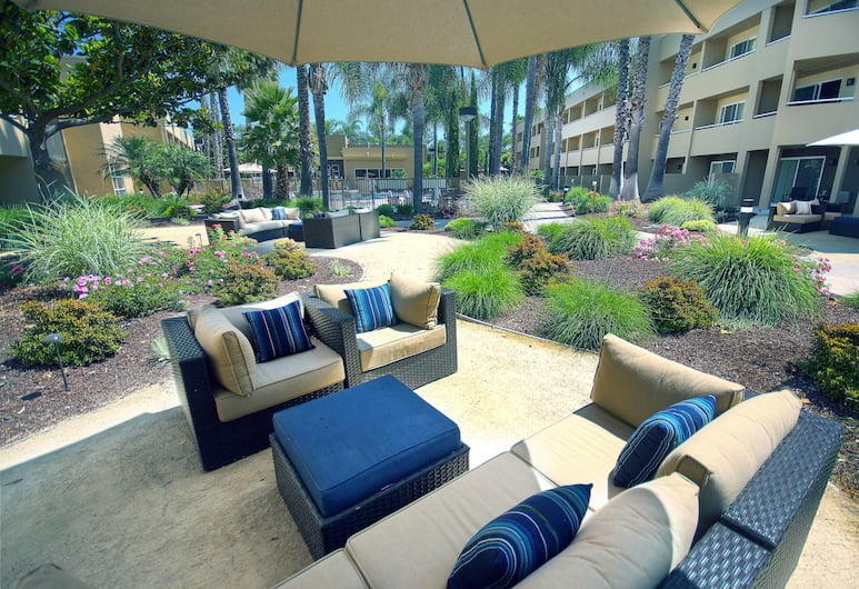 Fairfield Inn & Suites by Marriott San Jose Airport, San Jose, Terrace/Patio