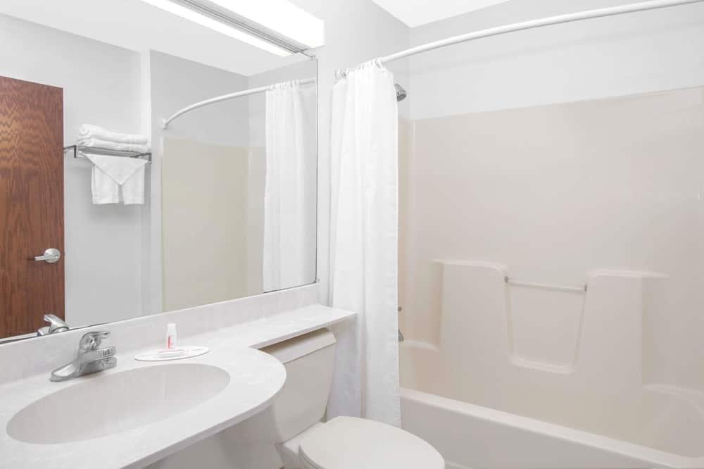 Standardní pokoj, 2 dvojlůžka (180 cm), nekuřácký - Koupelna