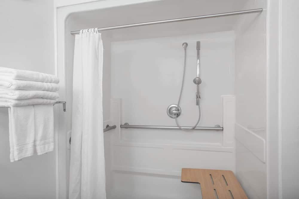 Pokoj, 2 dvojlůžka (180 cm), bezbariérový přístup, nekuřácký (Mobility/Hearing Impaired) - Sprcha