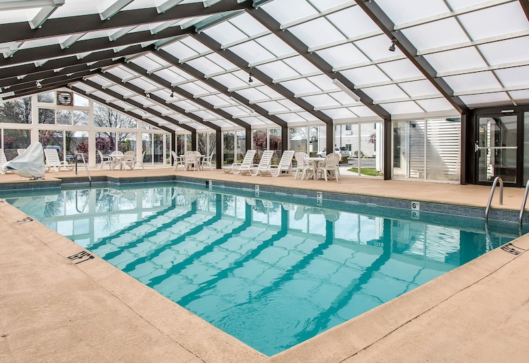 Quality Inn & Suites Middletown - Newport, Middletown, Medence