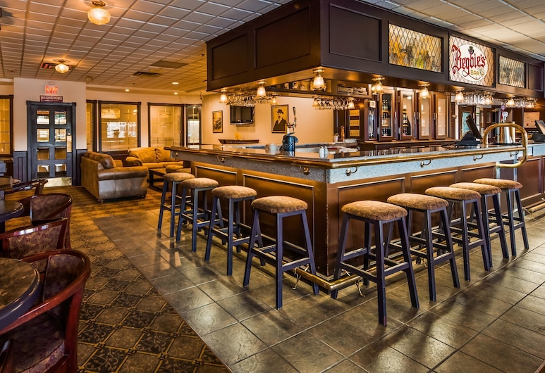 Tower Inn and Suites, Quesnel, Bar hotelowy