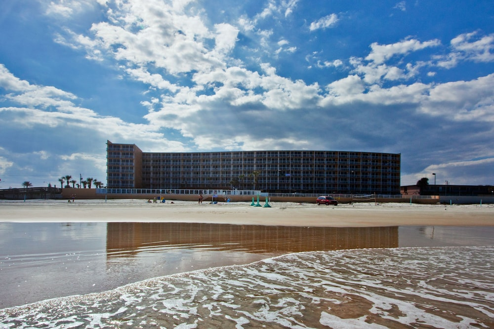 Book Holiday Inn Resort Daytona Beach Oceanfront In Daytona Beach Hotels Com