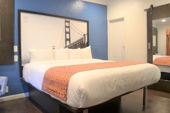 三藩市三藩市碼頭附近溫德姆速 8 酒店的圖片