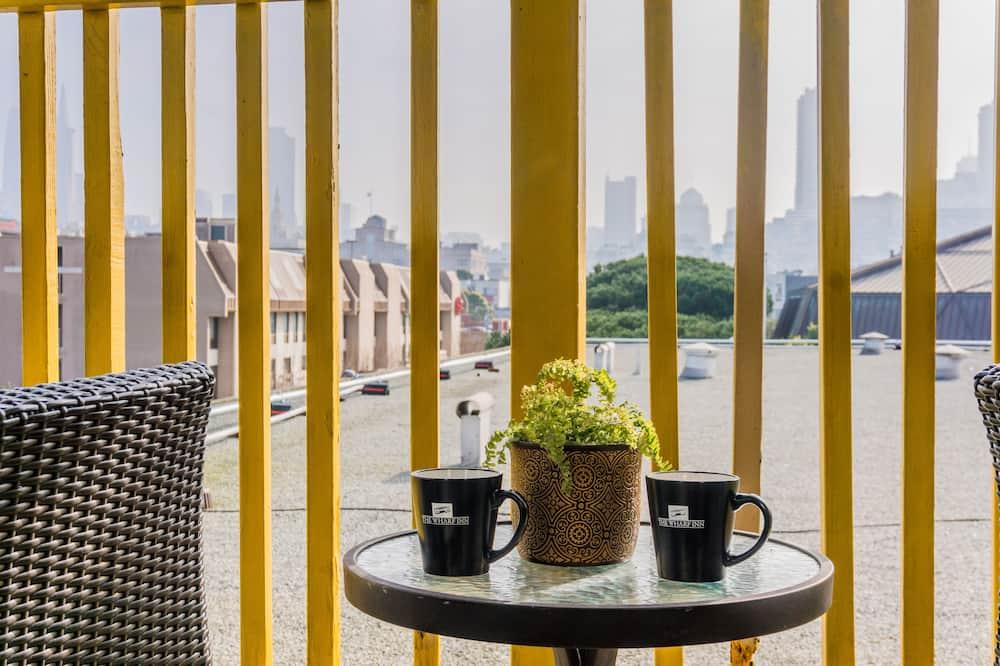 Penthouse, 2 Bedrooms - Balcony