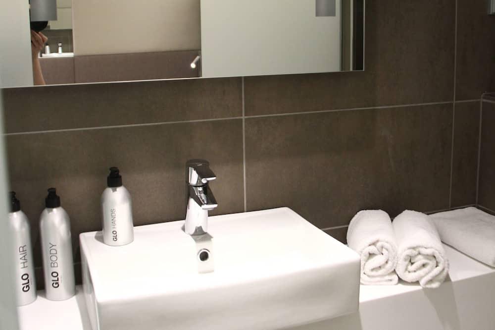 GLO Smart Twin - Kylpyhuoneen pesuallas