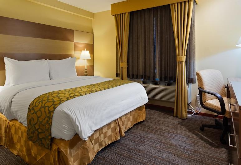 Best Western Queens Court Hotel, Flushing, Standard Room, 1 Queen Bed, Smoking, Guest Room