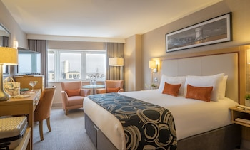 Introduce las fechas para ver los descuentos de hoteles en Limerick