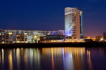 Enter your dates to get the Limerick hotel deal
