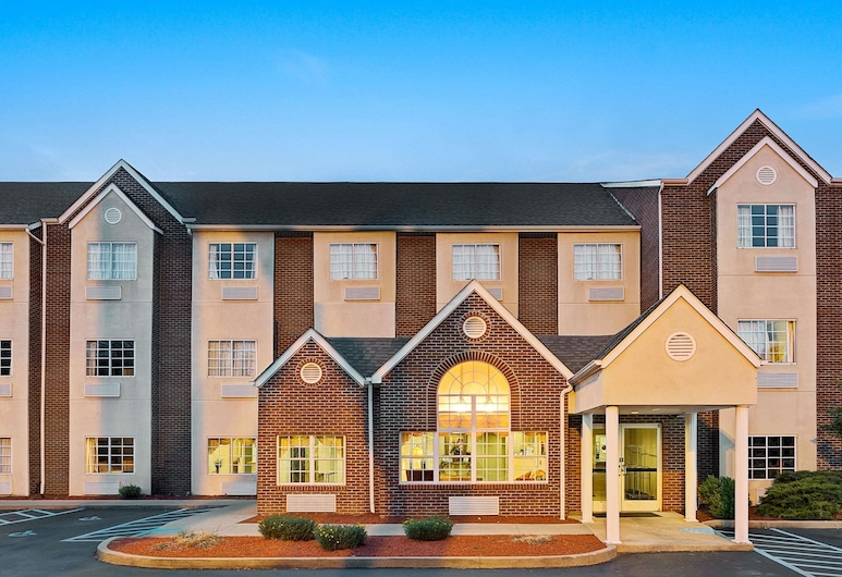 Microtel Inn & Suites by Wyndham Florence/Cincinnati Airport, Florence