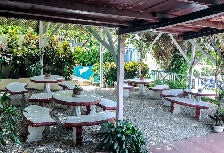 Relax Resort, Montego Bay, Bar