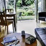 Suite Standar, 1 kamar tidur, pemandangan kebun, lantai dasar (Suite 3) - Area Keluarga