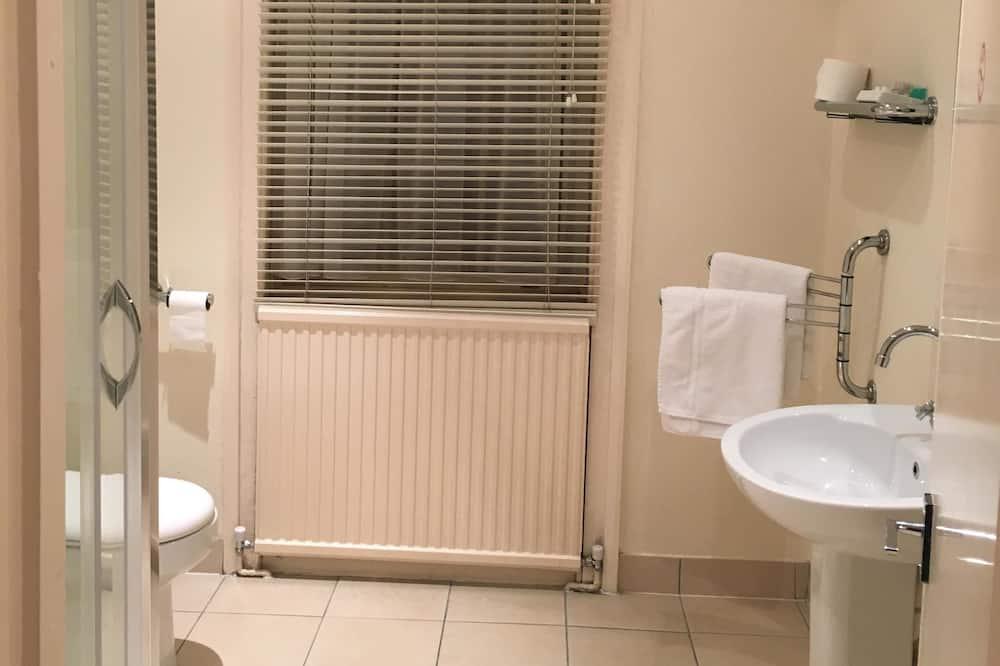 Superior Twin Room, Kitchenette - Bathroom