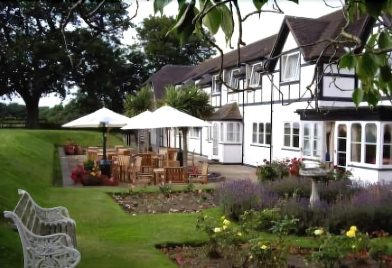 South Lawn Hotel, Lymington, Garden