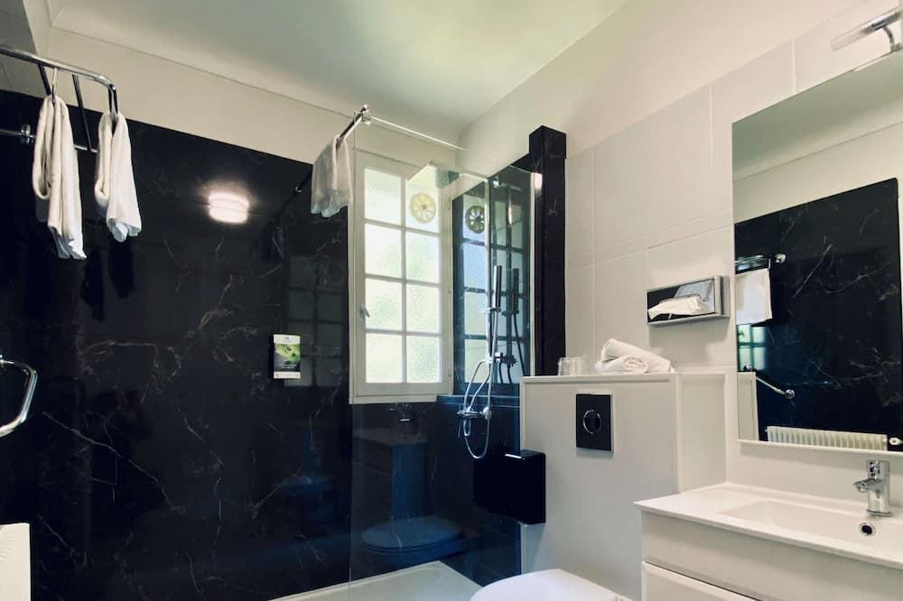 Pokoj typu Classic, dvojlůžko (180 cm), nekuřácký - Koupelna
