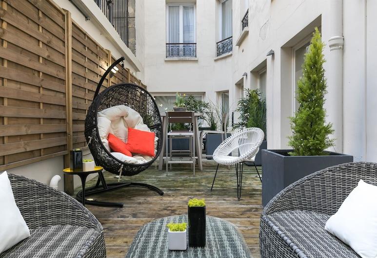 Hôtel Magenta 38 by Happyculture, Paris, Terrace/Patio