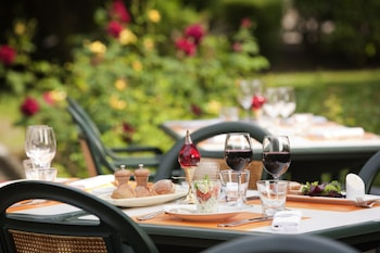Enter your dates for our Roissy-en-France last minute prices