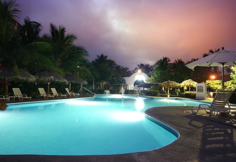 Hotel Castillo Huatulco, Santa María Huatulco, Piscina al aire libre