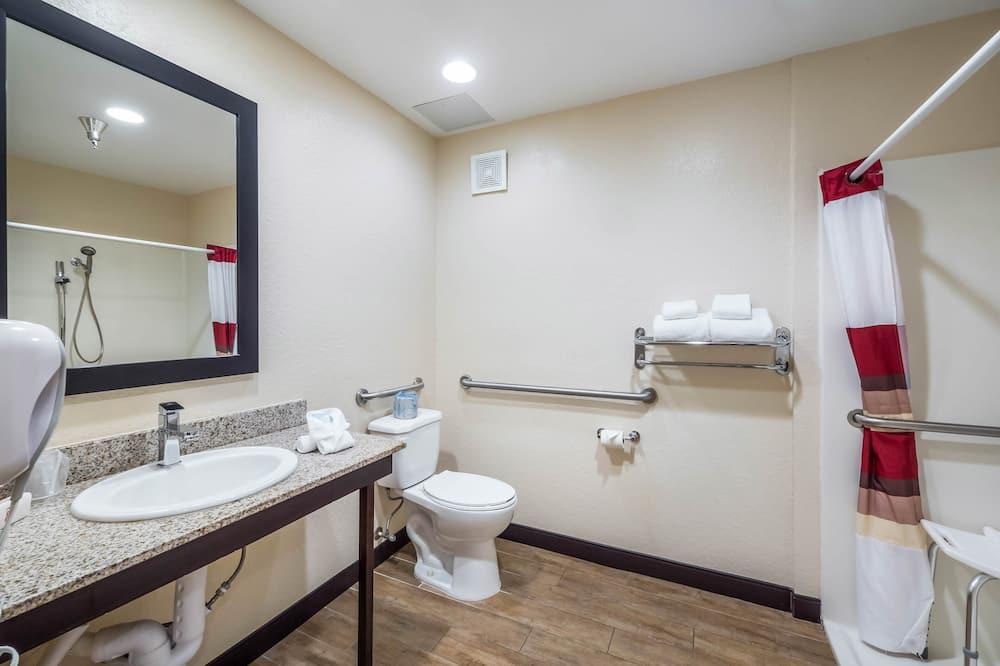 Izba, 1 extra veľké dvojlôžko, bezbariérová izba (Smoke Free) - Kúpeľňa