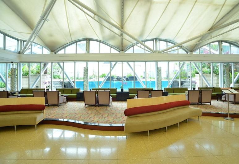 Peninsula Excelsior Hotel, Singapore, Aulan oleskelutila